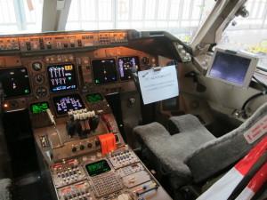 Lufthana 747 Cockpit